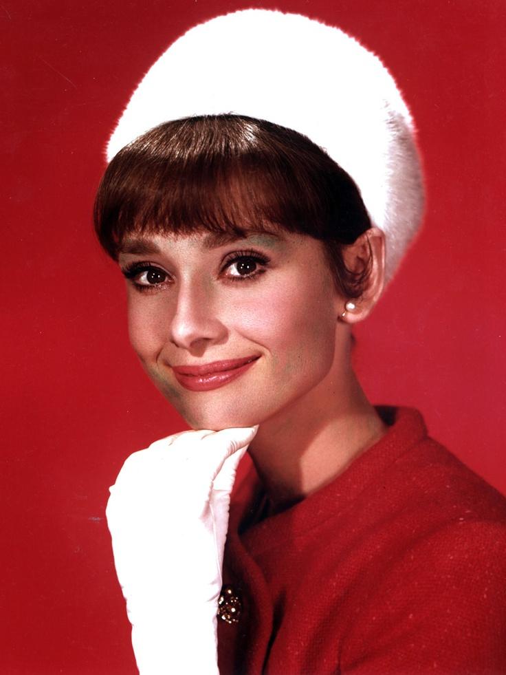 Audrey Hepburn și pălăriile ei
