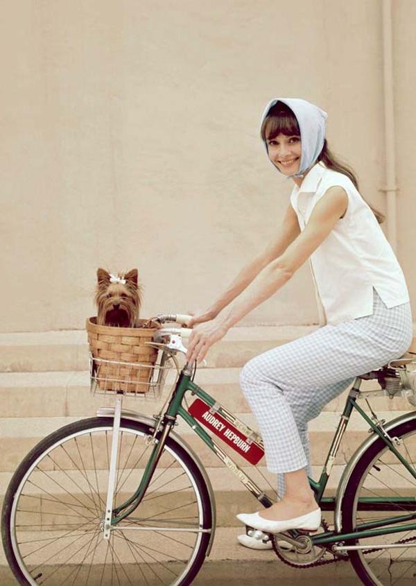 Foto: Audrey Hepburn în pantaloni capri
