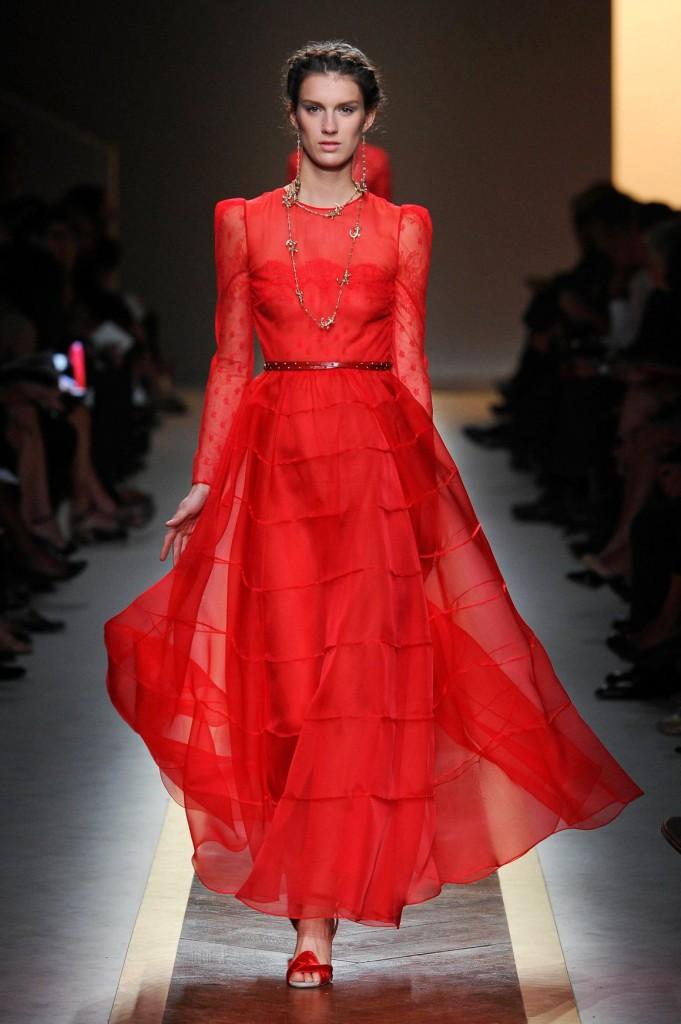 Foto: Rochia Roșie Valentino