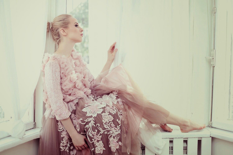 fabulous muses_diana enciu_alina tanasa_pink dress_ballerina (4)
