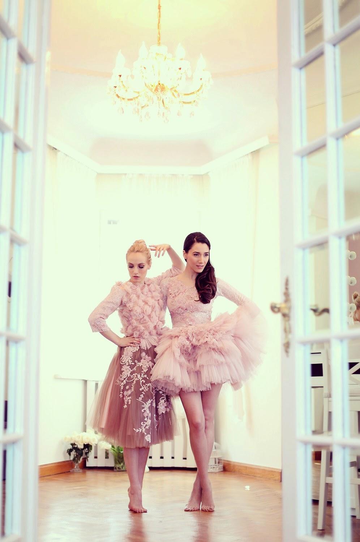 fabulous muses_diana enciu_alina tanasa_pink dress_ballerina (9)