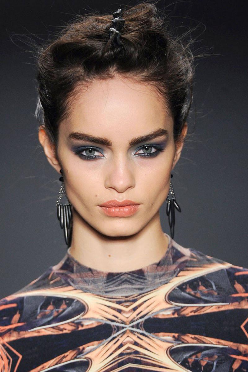 hbz-makeup-trends-fw2014-heavy-liner-01-Miller-clpi-RF14-6648-lg
