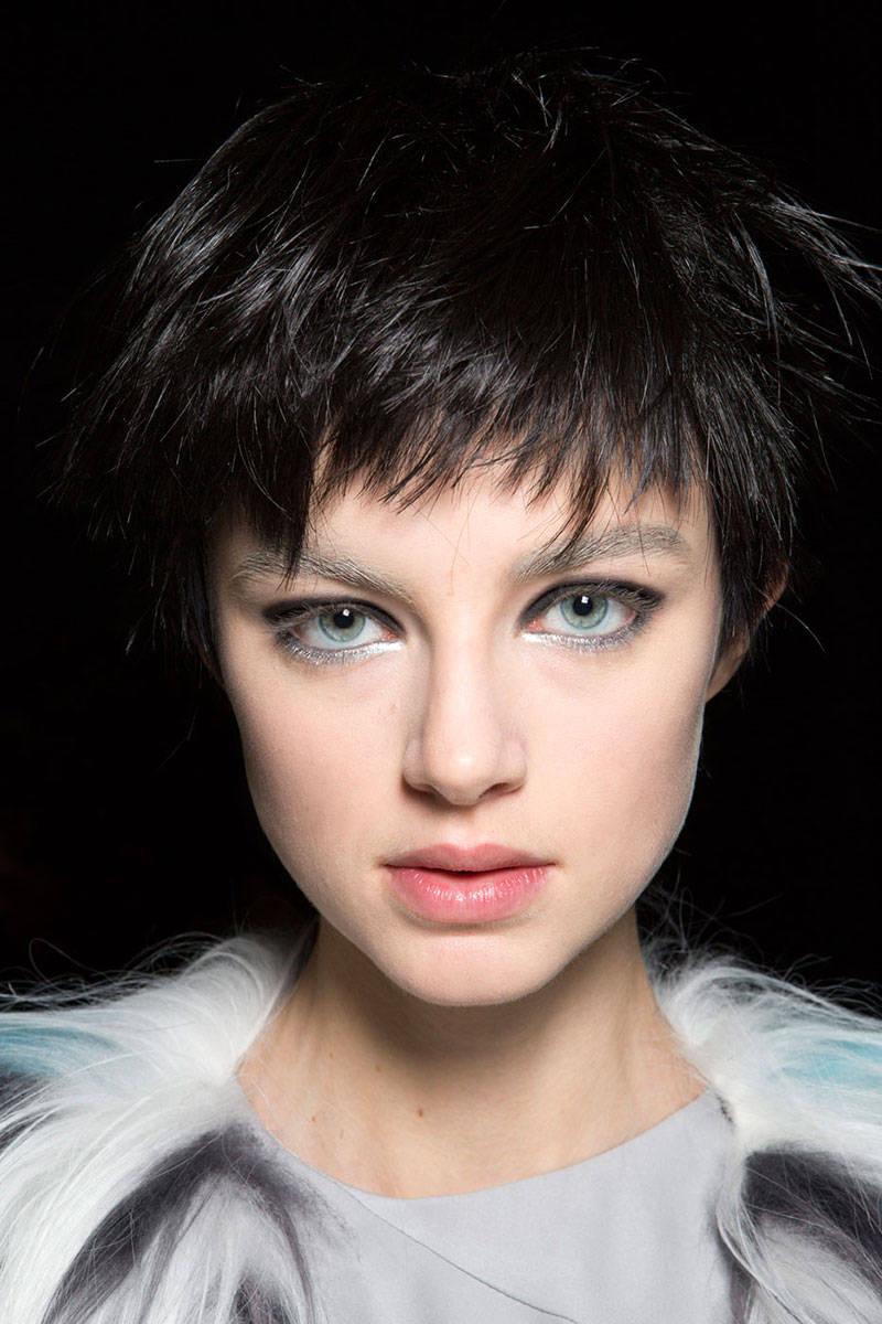 hbz-makeup-trends-fw2014-metallic-touches-03-Emporio-Armani-bks-Z-RF14-8522-lg