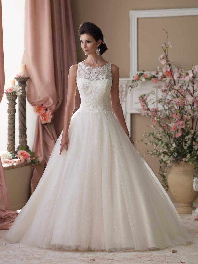 Свадебные платья на моделях