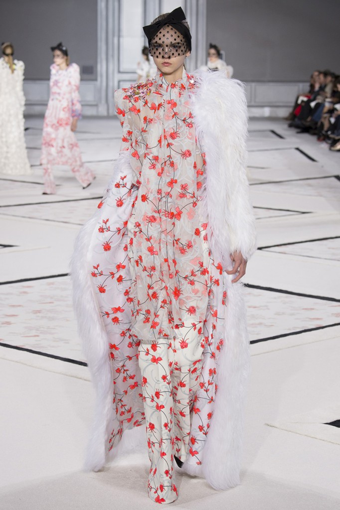 giambattista-vali-couture-spring2015-runway-331