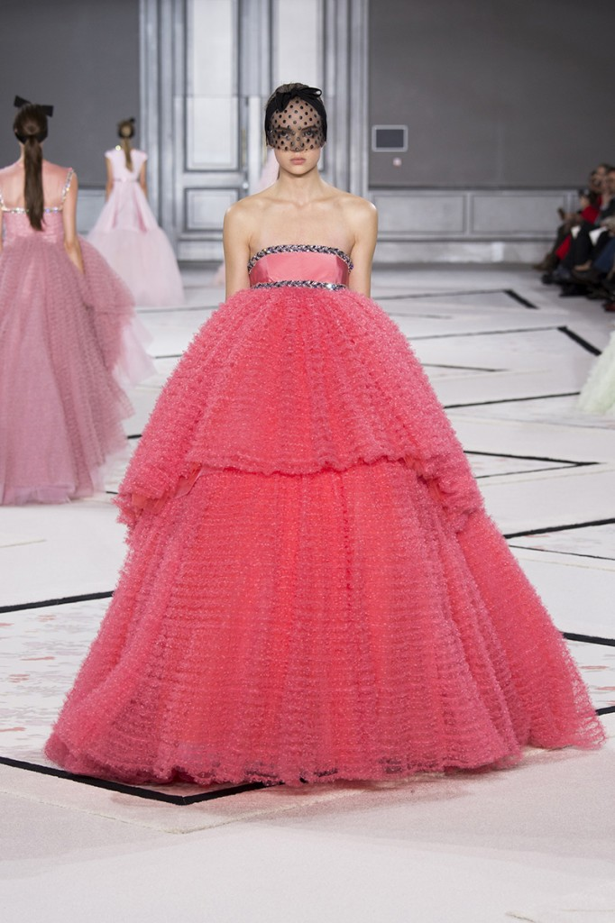 giambattista-vali-couture-spring2015-runway-461